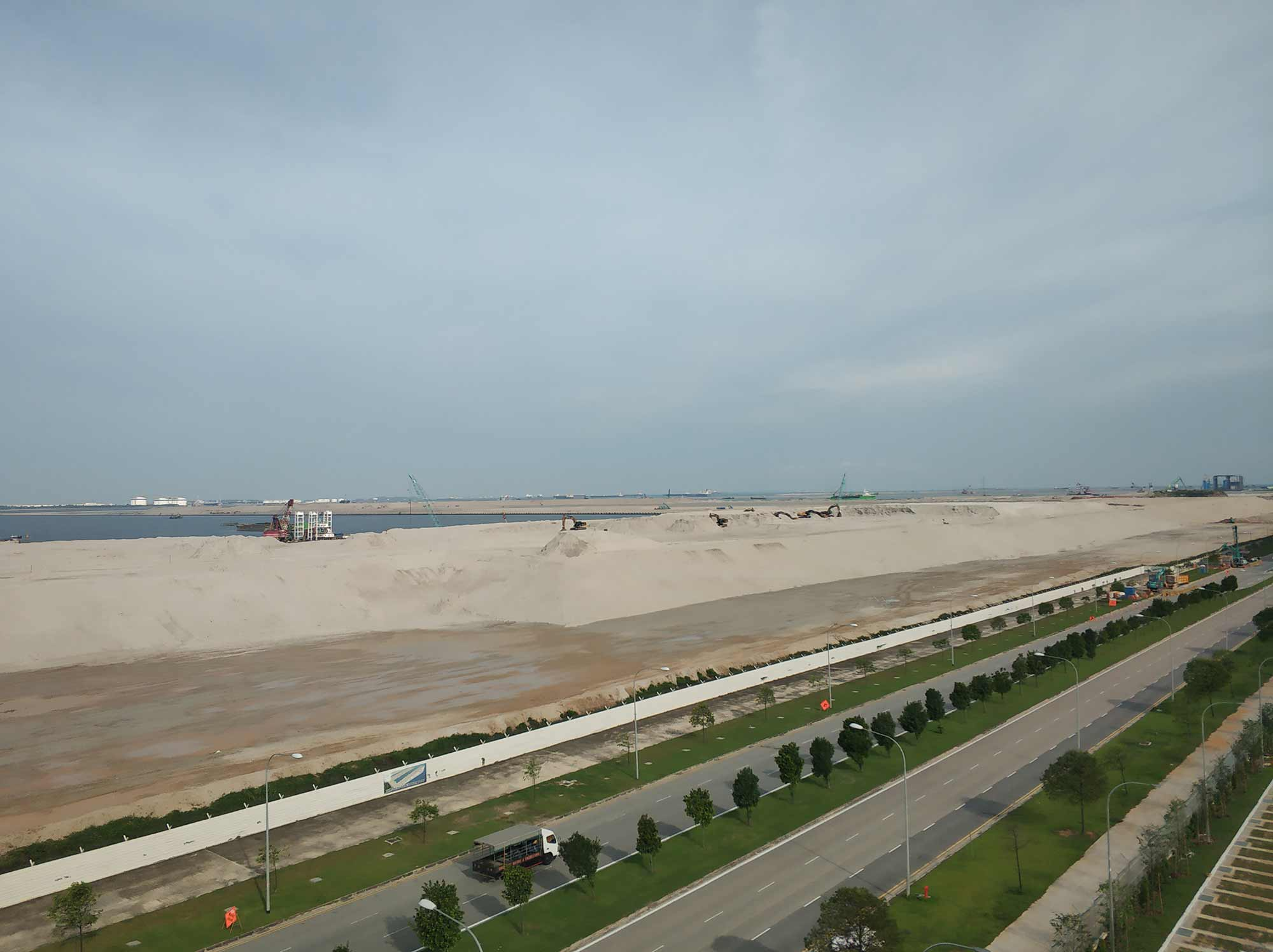 Tuas Port reclamation stockpile, 2019. Photograph: William Jamieson.